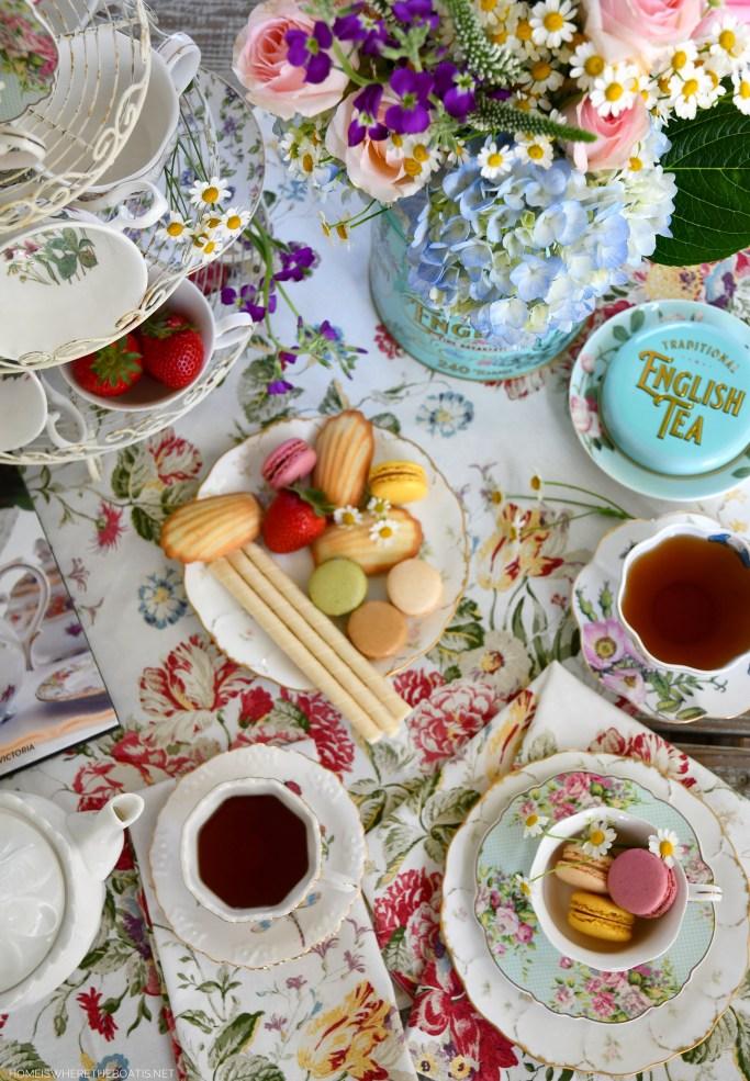 Tea on the porch and Flower Arrangement in a Tea Tin | ©homeiswheretheboatis.net #tea #flowerarrangement