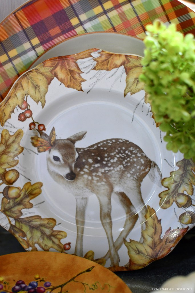 Fall Table with Woodland Friends | ©homeiswheretheboatis.net #fall #tablescape