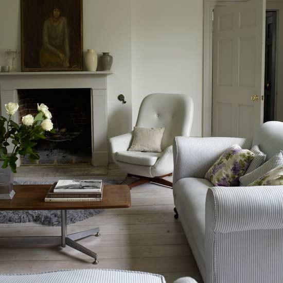 3 white traditional living room ideas 2011 Natural living room  White traditional living room ideas 2011