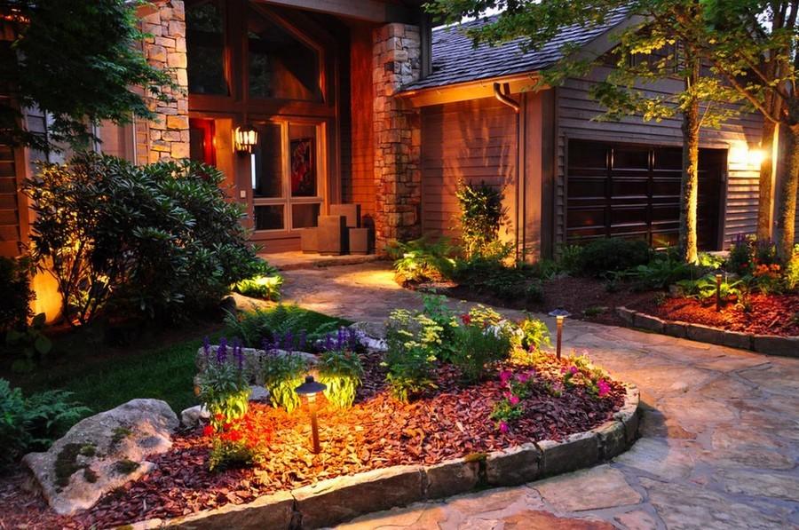 outdoor lighting 6 inspiring ideas amp 60 amazing photos on Front Lawn Lighting Ideas id=95095