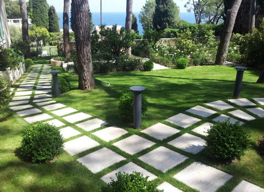 Garden Path Materials: Review, Comparison and Ideas | Home ... on Backyard Walkway Ideas  id=85574