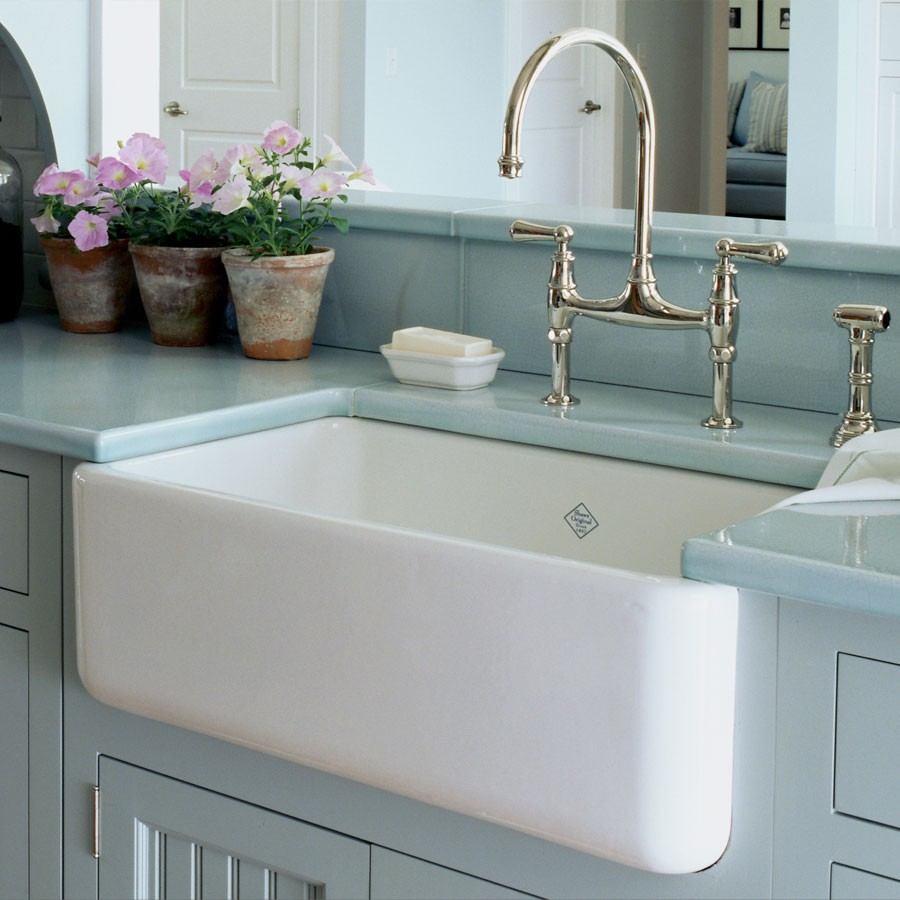10 Pieces of American Interiors That Our Homes Lack   Home ... on Farmhouse Kitchen Sink Ideas  id=26120