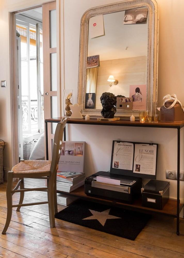 Tiny Parisian Apartment In Caramel Shades For Ambitious