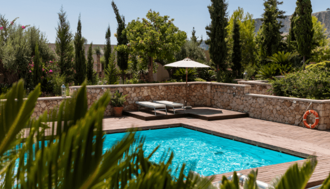 Create a desert oasis when ready to sell house fast in Reno