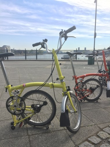 Brompton Bike Tour along the Thames and Docklands