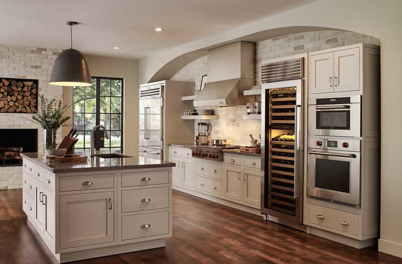 Contemporary-Kitchen-with-Inset-cabinets-&-Pendant-Light