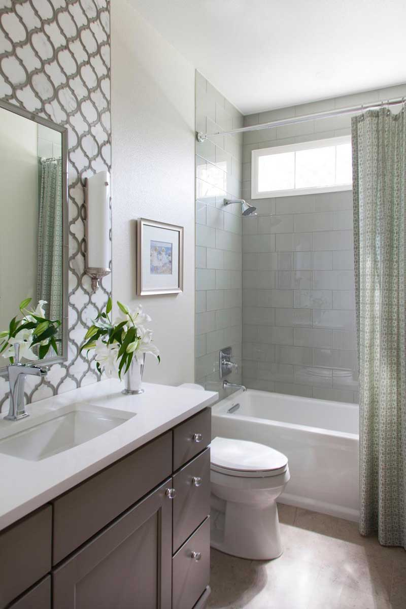 Traditional Bathroom with Decorative Tile