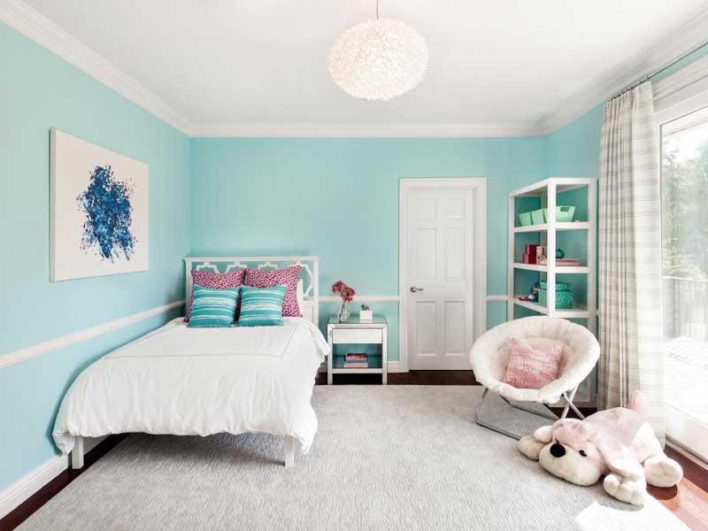 Teenage Girl Bedroom With White Bedding