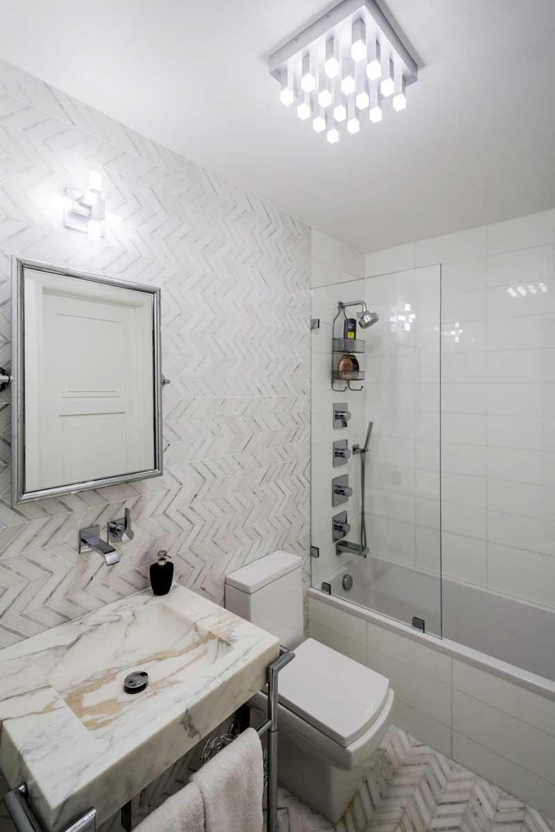 Bathroom with Chevron Tile