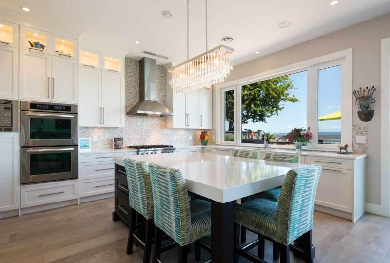 kitchen with rectangular glass chandelier