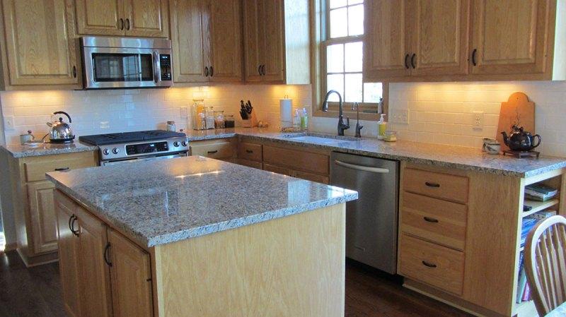 Modern Kitchen with Santa Cecilia Dark Granite