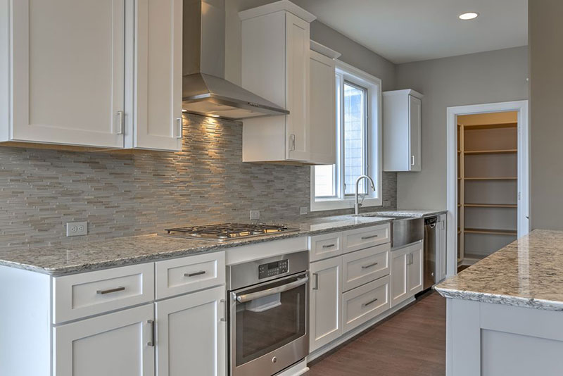 Awesome kitchen backsplash for white ice granite countertops