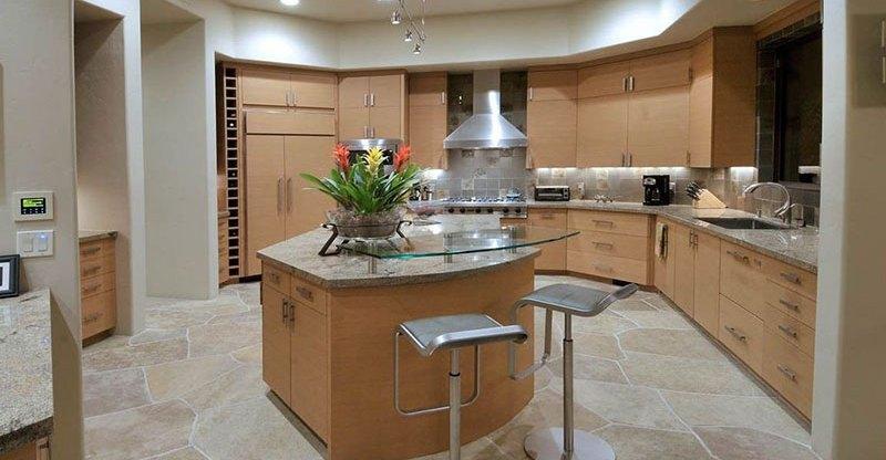 Bianco romano granite countertops pictures cost pros for Romano italian kitchen