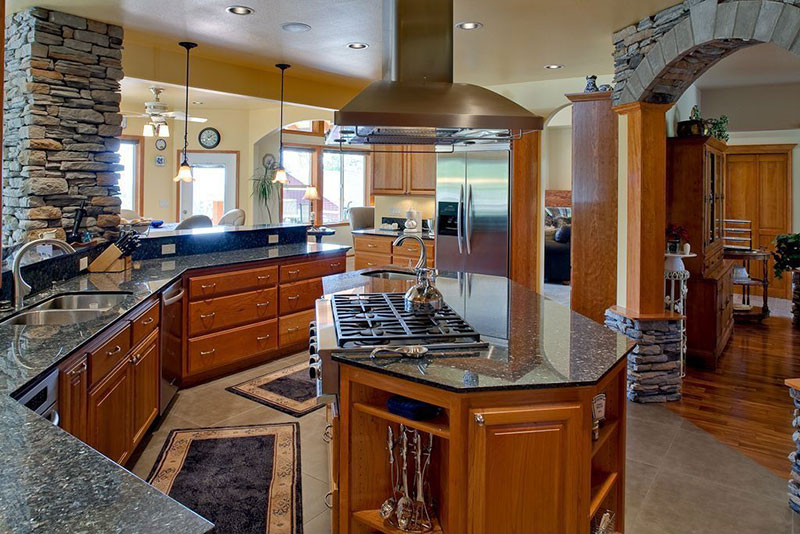 uba tuba granite countertops pictures cost pros cons. Black Bedroom Furniture Sets. Home Design Ideas