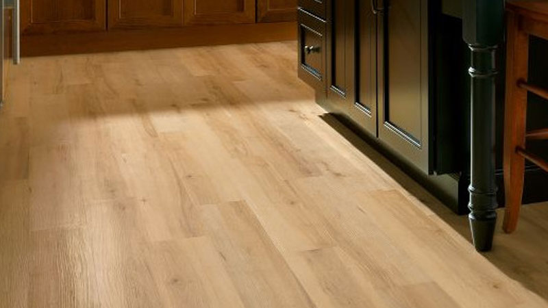 Those That Are Looking For A Smooth, Light In Texture Flooring May Want To  Take A Gander At The Luxe Sugar Creek Maple Series In The Natural Shade.