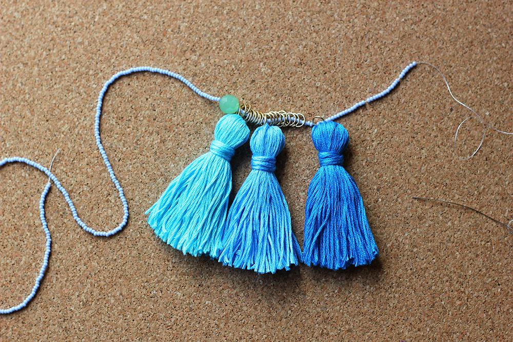 diy-tassel-necklace-15