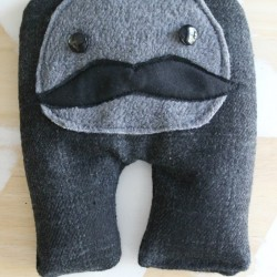 Monsieur Moustache ~ rice heating and cooling pillow pattern