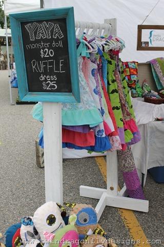 Craft Fair and Market Tips ~ DIY Clothing Rack