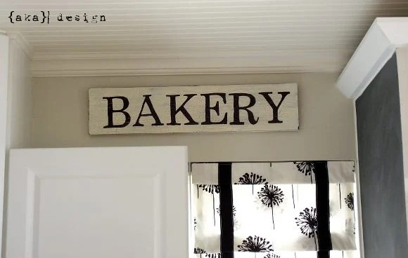 Vintage Bakery Sign (Made with a Sharpie!)