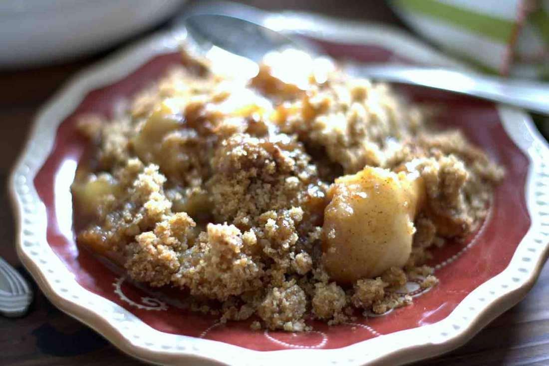 apple crisp detail on a plate