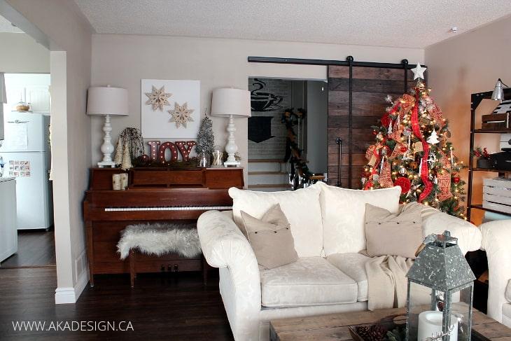 CHRISTMAS TREE AND PIANO