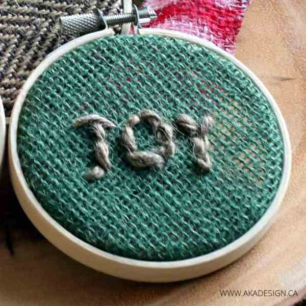 GREEN BURLAP JOY HOOP ART ORNAMENT