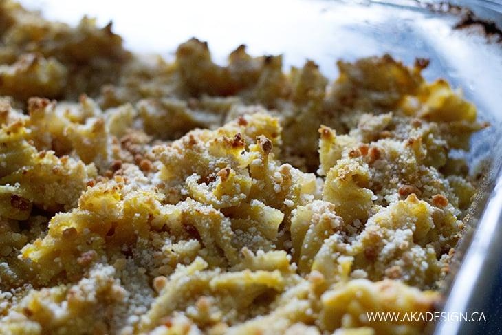 Butternut squash mac and cheese casserole