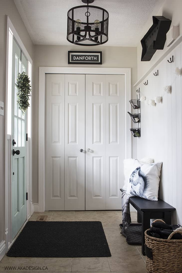 AKA-DESIGN-entryway-holiday-decor