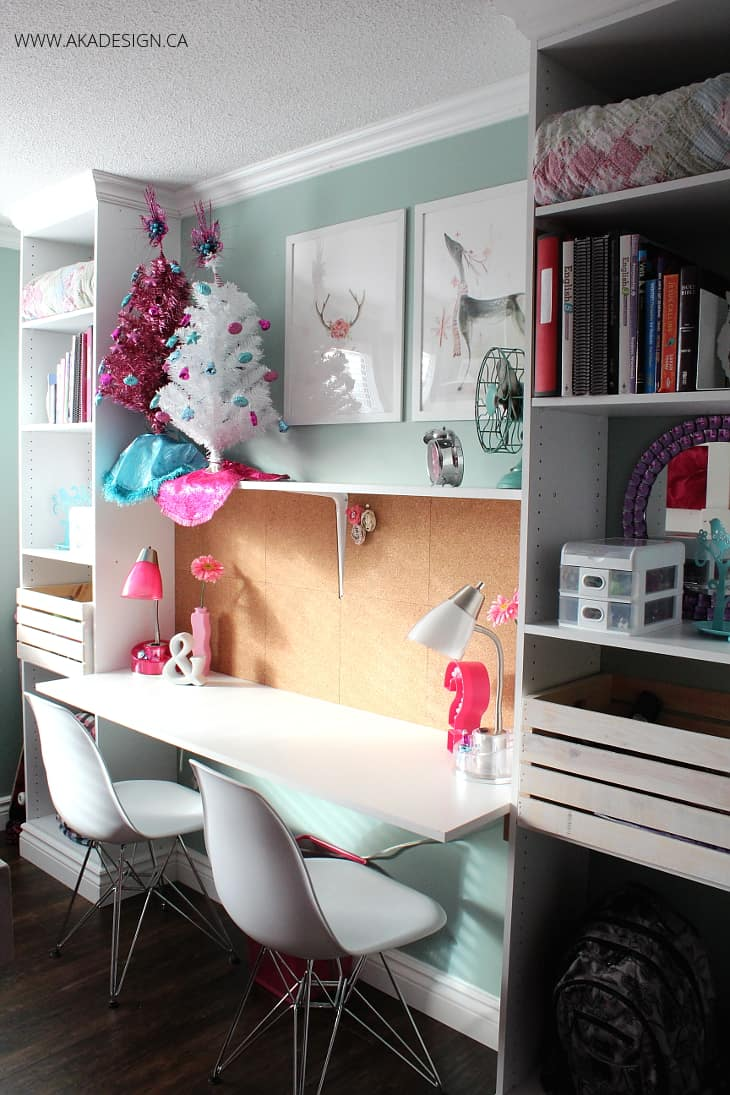 BUILT IN DESK AND SHELVES