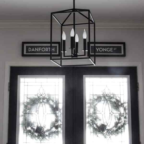 black-carriage-lantern-entry-light