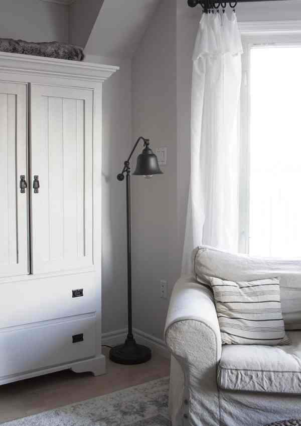 How to Get Pretty, Easy and Inexpensive Curtains (Ikea Curtain Hack)