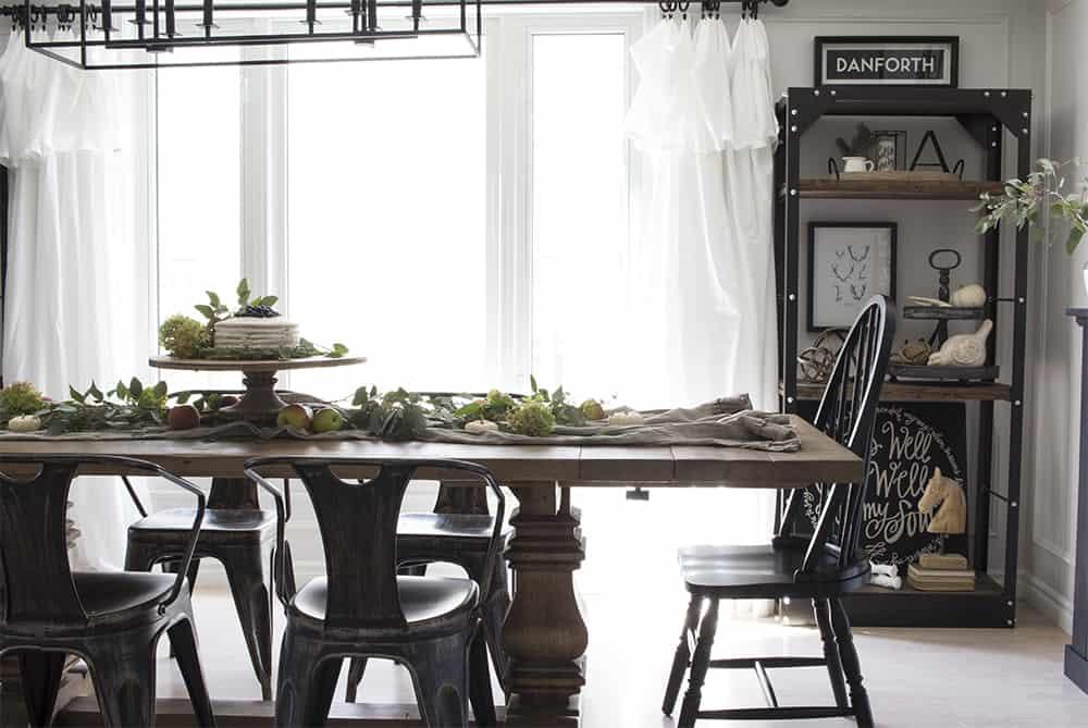 fall farmhouse dining room