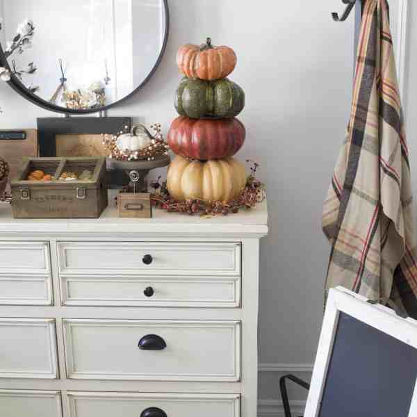 farmhouse style fall decor