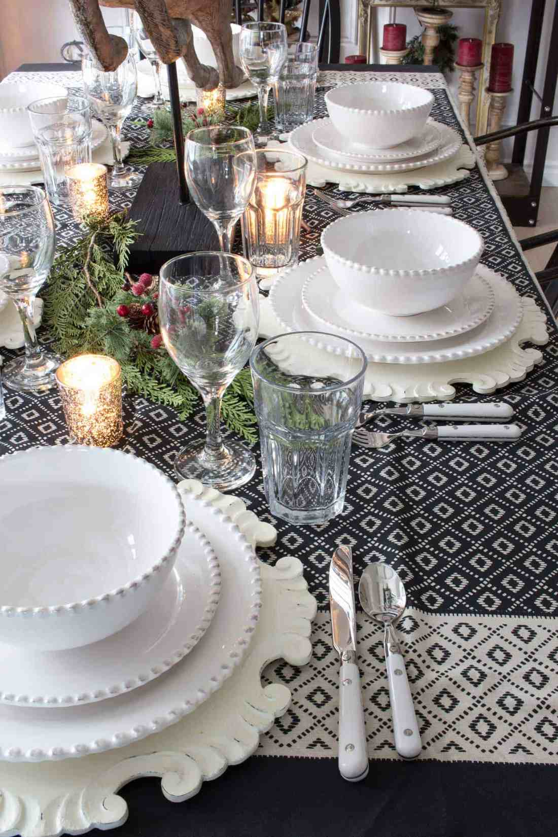 farmhouse-tablescape-for-the-holidays