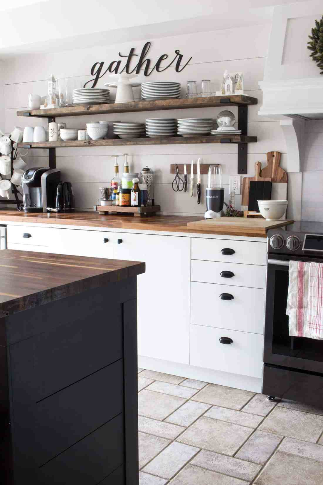 white-wood-and-black-kitchen-open-shelves