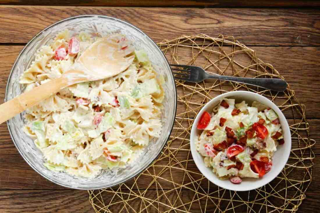 blt pasta salad in serving bowls