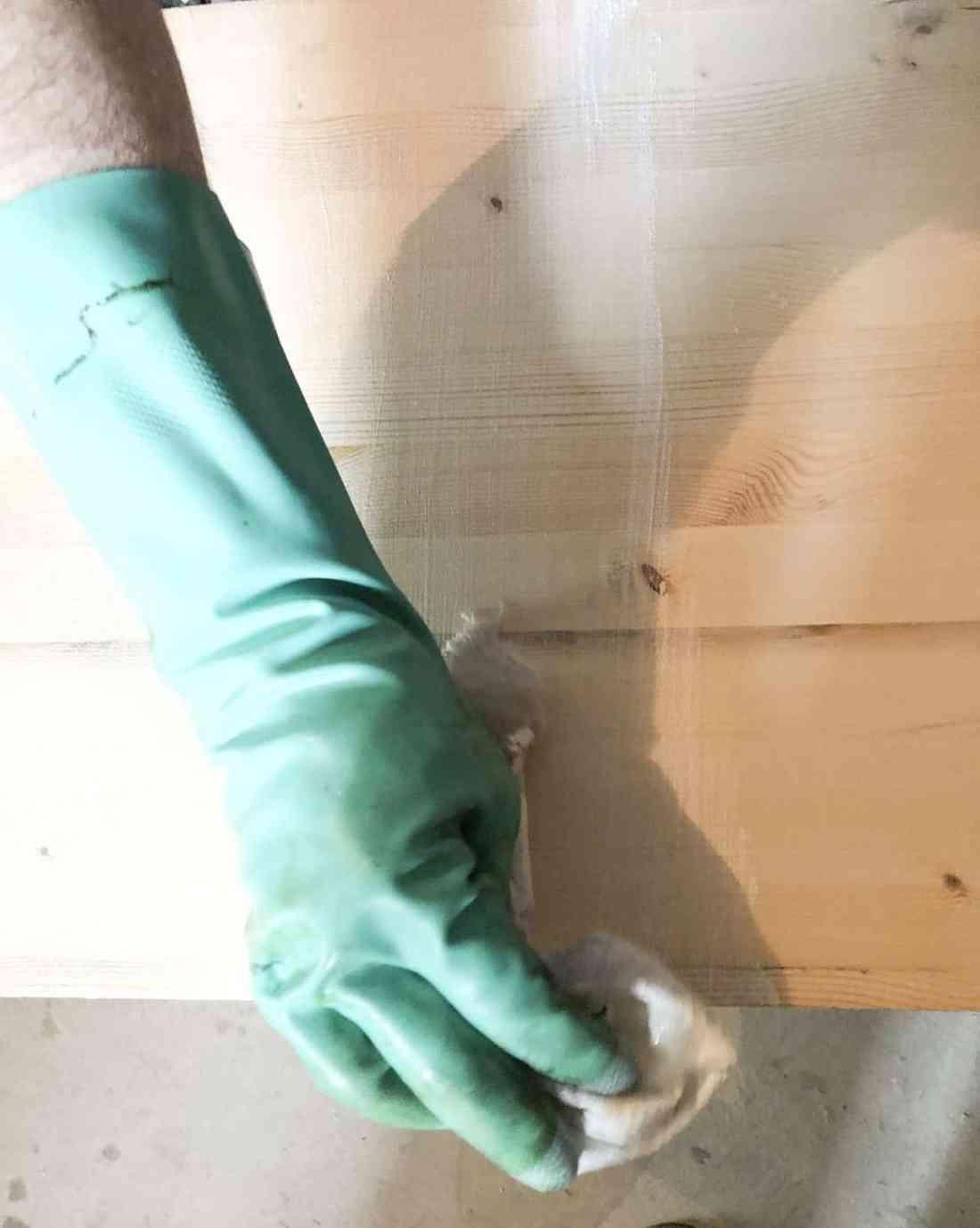 apply wood grain enhancer
