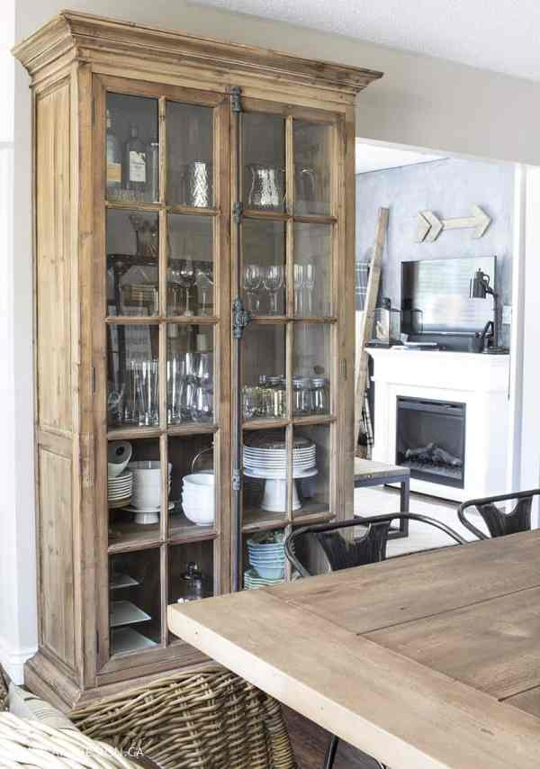 bookcase-in-dining-room