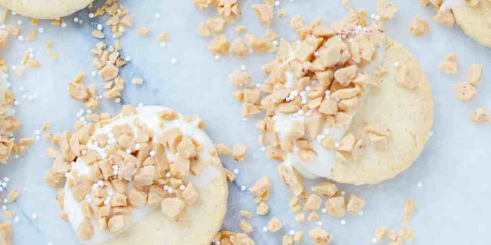 White chocolate toffee shortbread