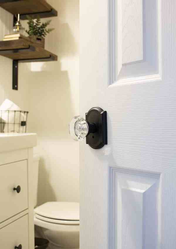 Add Vintage Style with the New Schlage Custom™ Door Knobs!