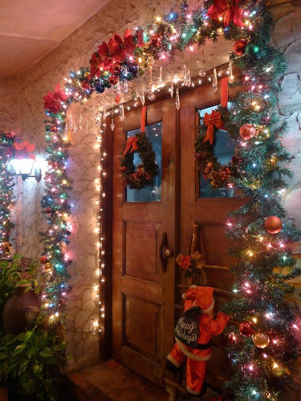 Homemade Parties Christmas House22