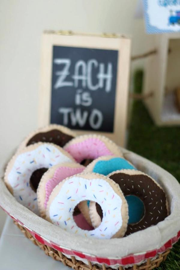 Homemade Parties_DIY Party_Train Party_Izach09