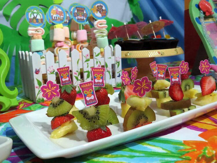 Homemade Parties_DIY Luau Party_Santos11