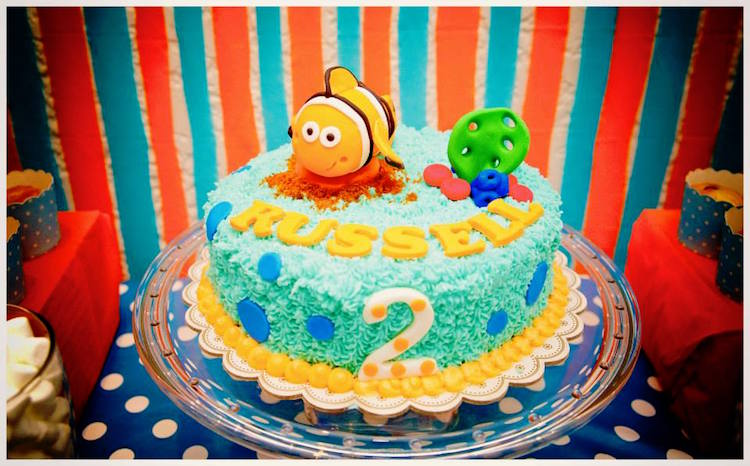 Homemade Parties DIY Finding Nemo Dory _ Russel01