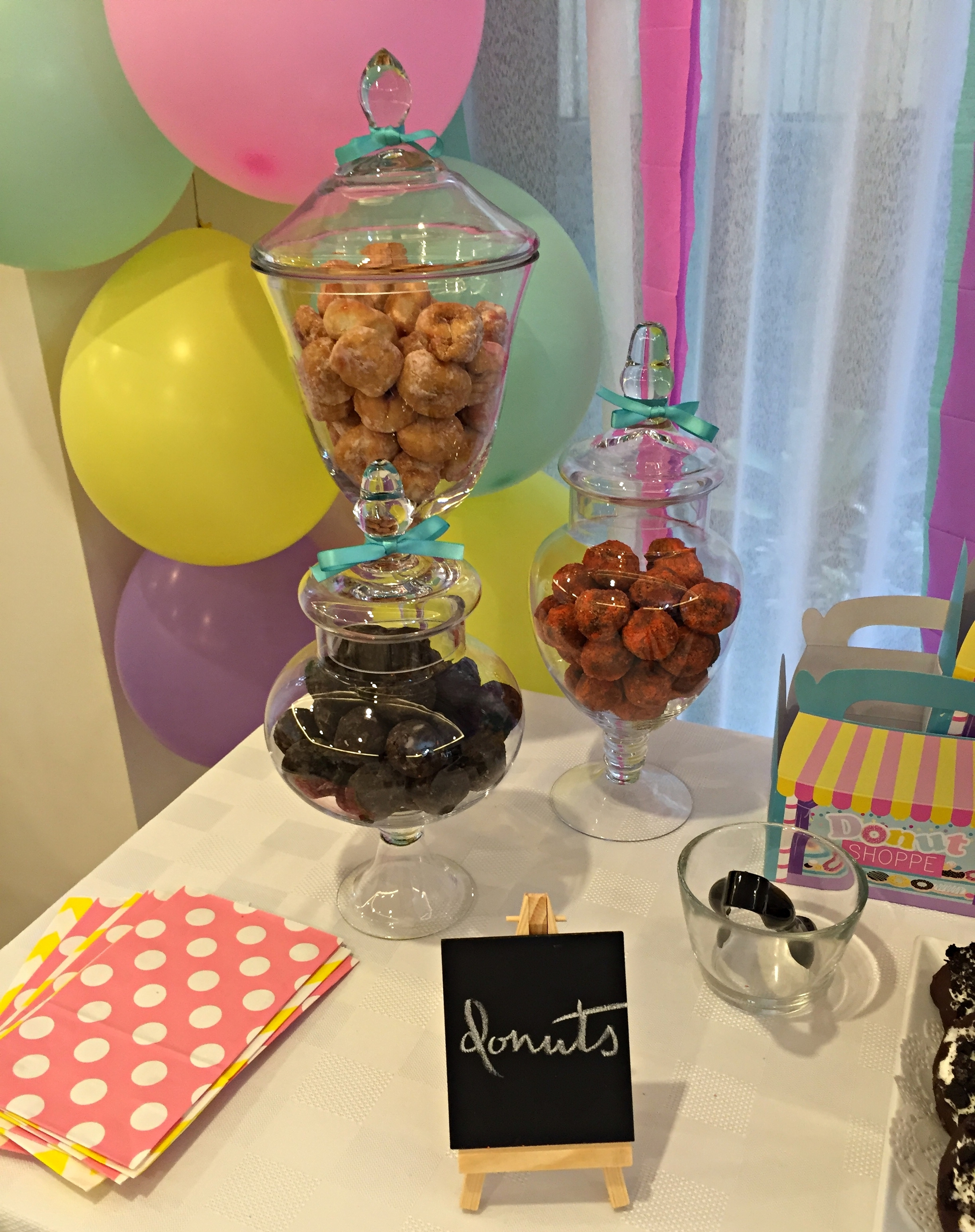 Homemade Parties DIY Party _ Donut Party _ Alexi12
