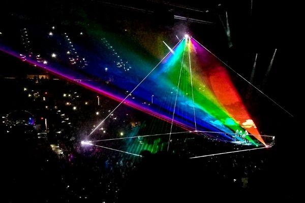 Único - Roger Waters lança álbum e filme US + THEM