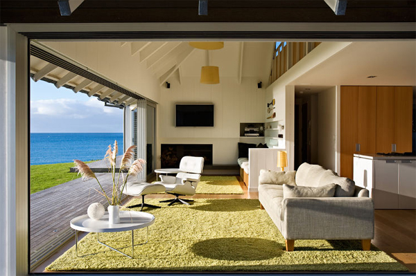 Create the bedroom of your dreams with the decorating ideas in this article. beach-house-interior-design-in-australia | HomeMydesign