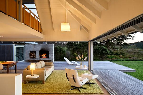 Beavh House Decor With Livingh Room In Australian