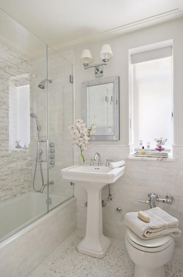25 Stylish Small Bathroom Styles   HomeMydesign on Small Space Bathroom  id=85798