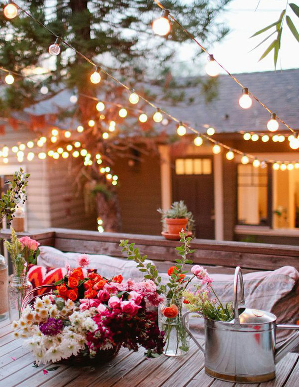 20 Lovely Backyard Ideas With Narrow Space | HomeMydesign on Romantic Backyard Ideas id=18070